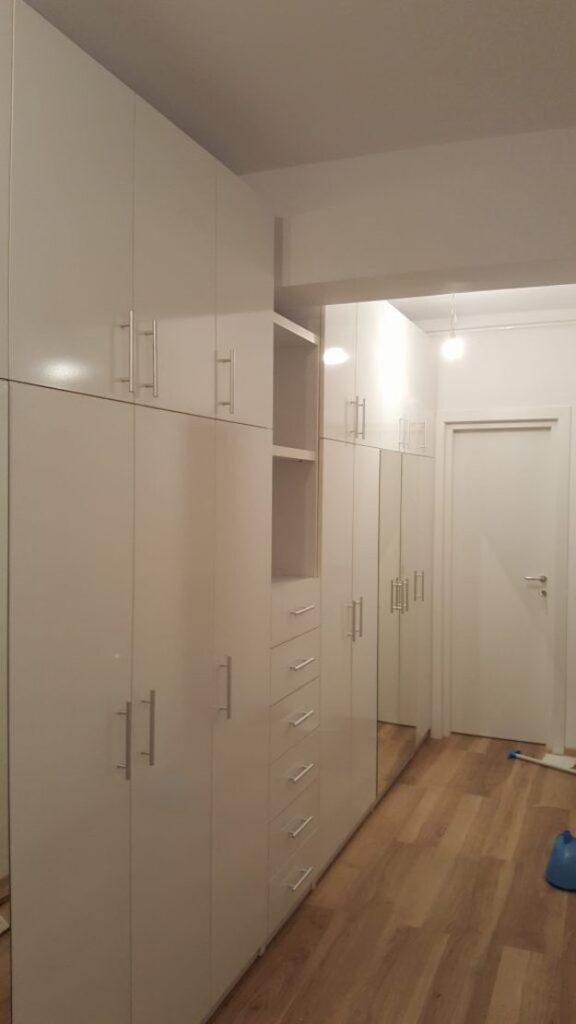 dulapuri în hol - particularități la proiectare și execuție