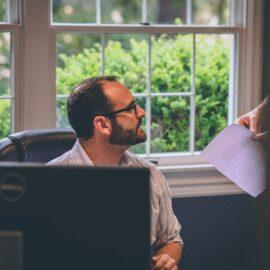 Alege un manager de proiect independent